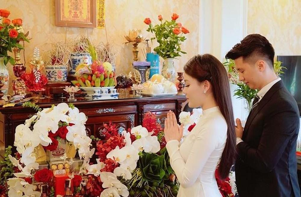 Nghi thức mời nước, trò chuyện trong lễ ăn hỏi ở miền nam Việt Nam