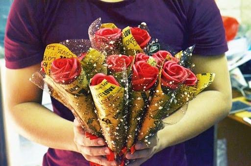 ấn tượng với những bông hoa hồng sáp đẹp