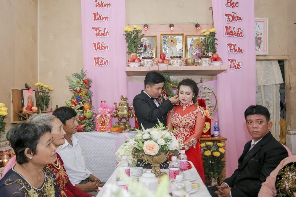 Nghi thức đón dâu ra mắt hai bên gia đình